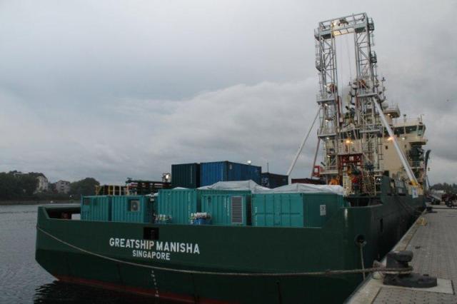 Greatship Manisha Kielin satamassa. Takakannella tiedepuutarha. Kuva: IODP/Aarno Kotilainen.