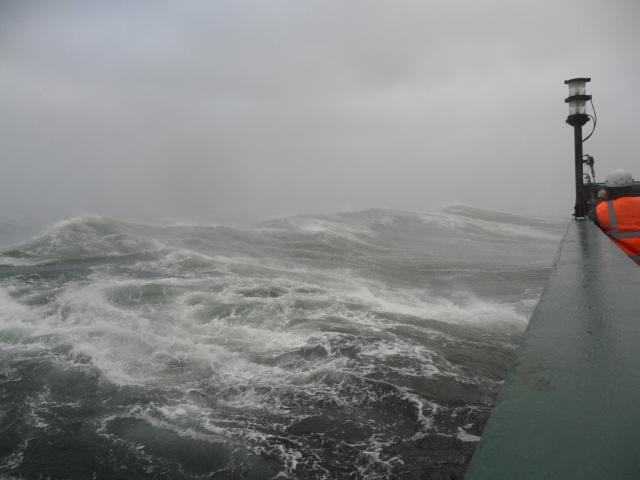Ja aallot kasvavat. Kuva: Aarno Kotilainen © ECORD/IODP.