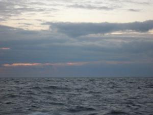 Myrskyrintama lähestymässä kohti kairausalus Greatship Manishaa eteläisellä Itämerellä. Kuva: Aarno Kotilainen©ECORD/IODP