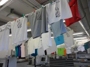 Näytteenottolaboratorio t-paitojen kuivatushuoneena. Kuva: Aarno Kotilainen©ECORD_IODP